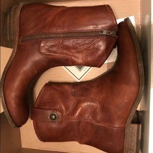 Frye Melissa short button boot